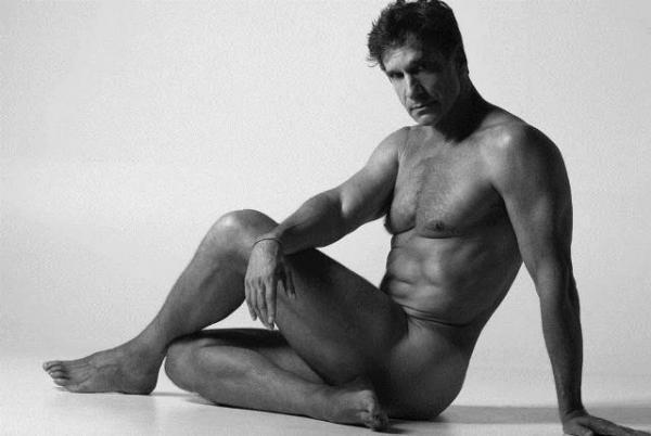 Aos 60 anos, ator Victor Fasano posa nu.(Imagem:Instagram)