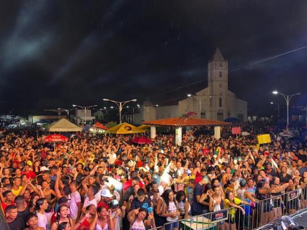 Multidão prestigia o Zé Pereira de Barão de Grajaú(Imagem:Ascom)