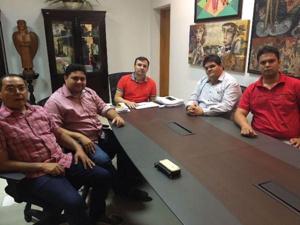 Lideranças de Floriano participam de audiência com secretário Fábio Novo.(Imagem:FlorianoNews)