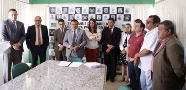 Segurança assina ordem de serviço para reformas em seis cidades do PI.(Imagem:Cidadeverde.com)