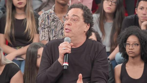 Casagrande comenta dificuldades de ressocialização no Altas Horas.(Imagem:Globo)