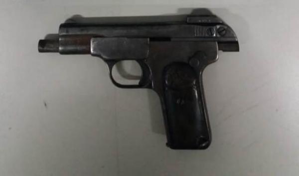 Pistola Herstal Beretta, calibre 32.(Imagem:PRF)