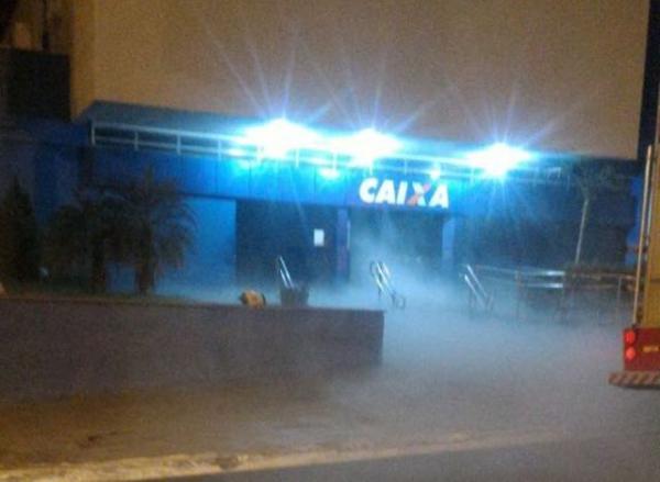 Alarme contra incêndio de agência bancária dispara e mobiliza PM e Bombeiros em Floriano.(Imagem:Reprodução/Whats App)