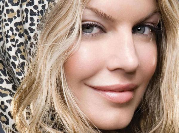 Fergie faz revelações sobre seu <b>vício</b> em <b>drogas</b> - Notícias de <b>...</b> 2014