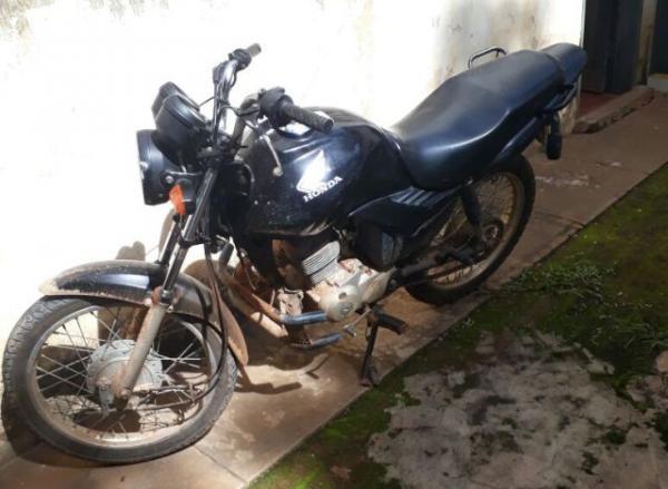 Polícia Militar de Landri Sales recupera motocicleta roubada em Floriano.(Imagem:Divulgação/PM)