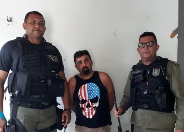 Homem é preso após ameaçar populares com faca no Piauí.(Imagem:Divulgação/PM)