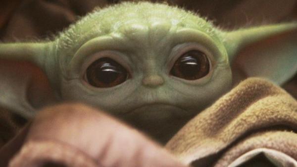Baby Yoda não é a versão mais jovem do Mestre Jedi, esclarece Jon Favreau(Imagem:Reprodução)