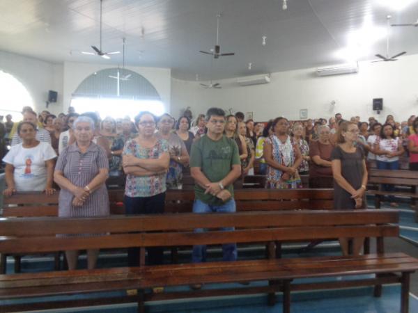 Fieis participam da abertura dos festejos em honra a São Francisco de Assis.(Imagem:FlorianoNews)