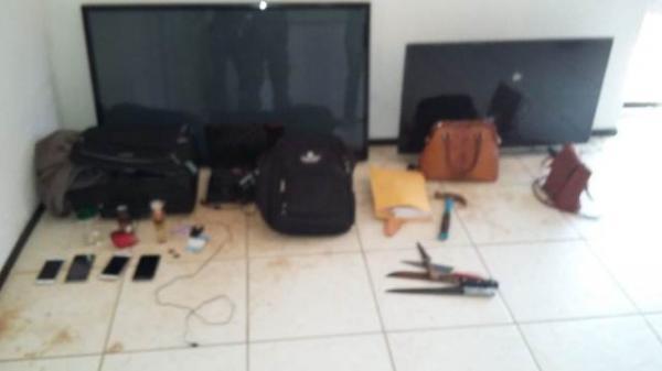 Objetos recuperados pela Polícia(Imagem:Divulgação/PM)