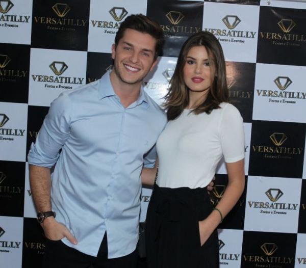 Klebber Toledo e Camila Queiroz(Imagem:Marcello Sá Barretto / AgNews)
