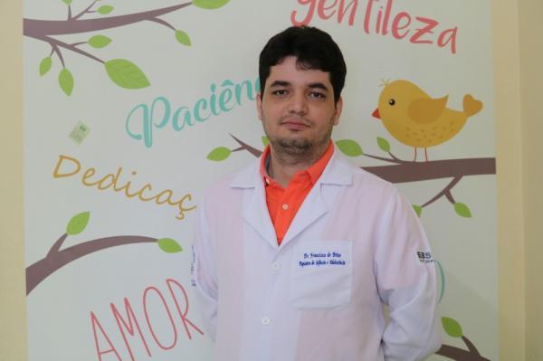 Psiquiatra Francisco Brito associa suicídio com transtorno mental.(Imagem:Gilcilene Araújo/G1 PI)