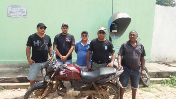 Motocicleta usada em assalto é recuperada pela PM de Nazaré do Piauí.(Imagem:PM-PI)