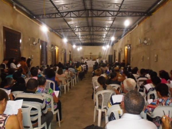 Missa de Sétimo Dia de João Pinto Filho lota igreja em Floriano.(Imagem:FlorianoNews)