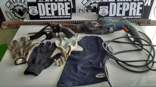 Polícia descobre material usado em estouro a banco durante prisão de traficantes.(Imagem:Divulgação)