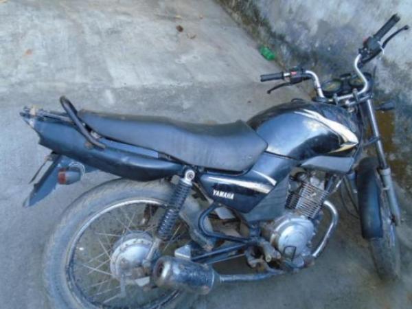 Moto é encontrada abandonada na zona rural de Barão de Grajaú.(Imagem:Jornaldefloriano)