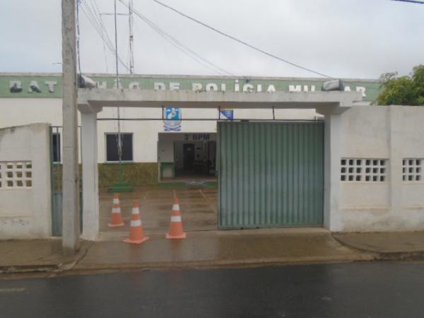 Mulher é vítima de roubo a transeunte em Floriano.(Imagem:FlorianoNews)