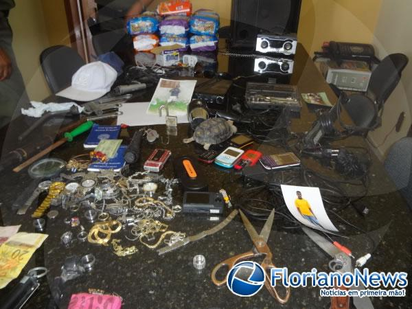 Polícia Militar apreende drogas e produtos de roubo no bairro Taboca.(Imagem:FlorianoNews)