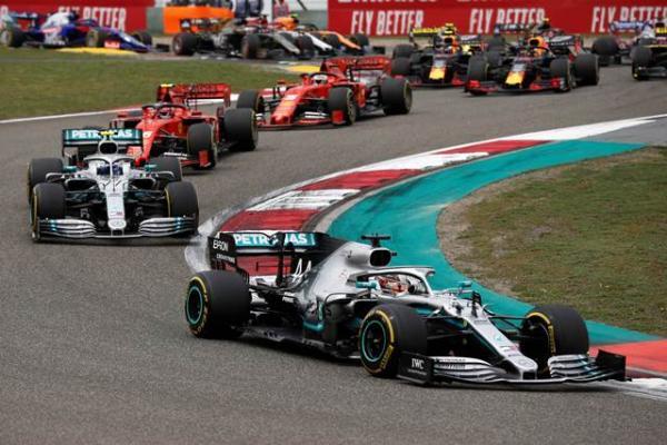 Na China, Hamilton supera companheiro e vence GP número mil da Fórmula 1.(Imagem:Divulgação)