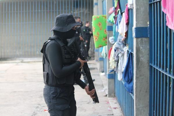 Operação apreendeu 37 celulares na penitenciária José de Ribamar Leite, em Teresina.(Imagem:Sejus - PI)
