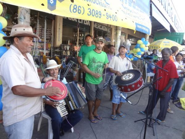 Sanfoneiros animaram o Mercado Público Central de Floriano.(Imagem:FlorianoNews)