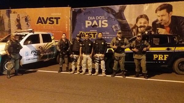 PM apreende revólver, munições, droga e dinheiro durante abordagem policial em Floriano.(Imagem:Divulgação)