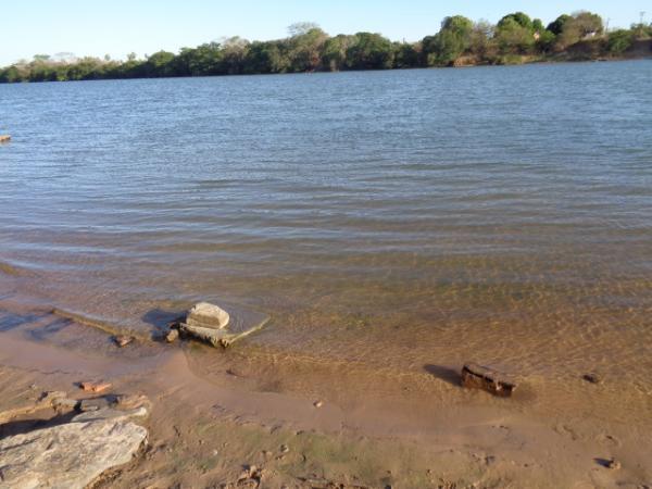 Margens do rio Parnaíba.(Imagem:FlorianoNews)