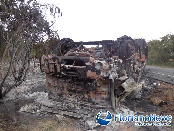 Acidente na PI-140 (Imagem:FlorianoNews)