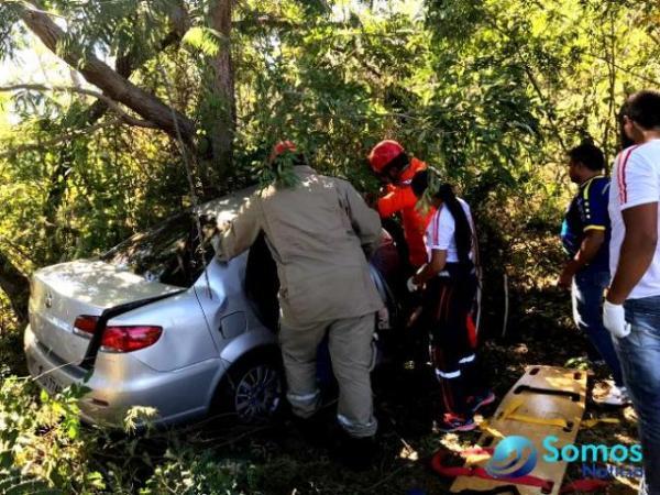 Empresária florianense se envolve em acidente entre Floriano e Amarante.(Imagem:Corpo de Bombeiros)