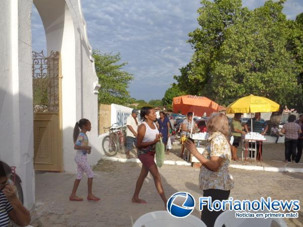 Dia de Finados é marcado por visitas e missas nos principais cemitérios de Floriano.(Imagem:FlorianoNews)