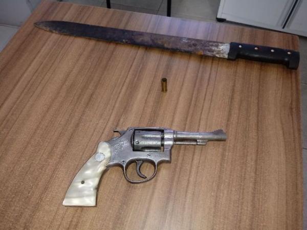 Armas utilizadas no crime(Imagem:FlorianoNews)
