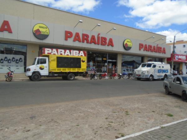 Compre no Armazém Paraíba de Floriano e concorra a produtos Tupperware.(Imagem:FlorianoNews)