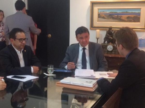 Dr. Hélio articula parcerias entre Prefeituras e Governo do Estado.(Imagem:Alepi)