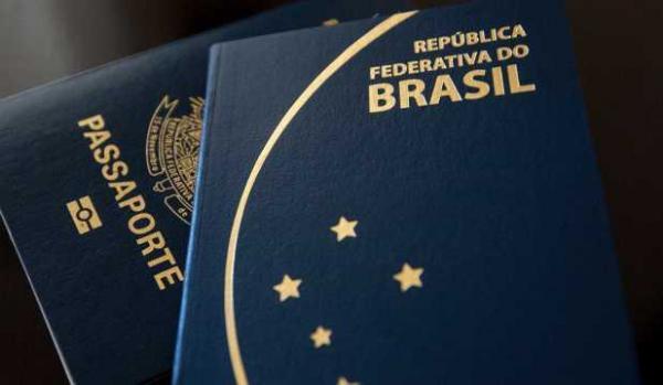 Medo do governo de Bolsonaro leva a planos de emigração(Imagem:Brasil ao Minuto)