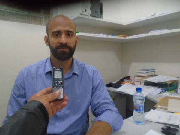 Delegado Júlio Castro, titular do 1º Distrito Policial de Floriano.(Imagem:FlorianoNews)