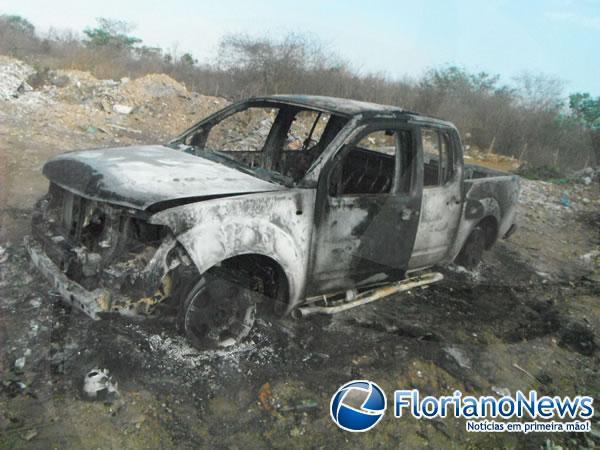 Veículo roubado em Barão de Grajaú é encontrado totalmente queimado em Floriano.(Imagem:FlorianoNews)
