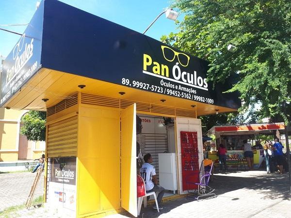 Banca Pan Óculos(Imagem:Temístocles Filho/jc24horas.)