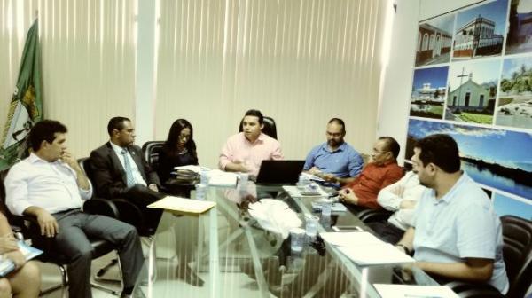 Diretoria do SINTE participa de reunião com poder Executivo e Legislativo de Floriano.(Imagem:FlorianoNews)