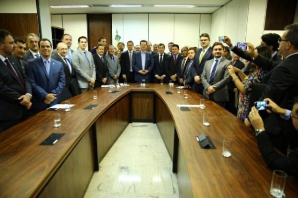 Luciano Nunes trata sobre reforma política e previdenciária com presidente Temer.(Imagem:Alepi)
