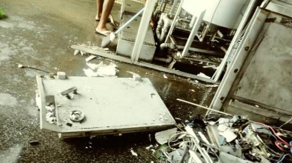 De acordo com a Polícia Militar de Floriano, dois suspeitos de participar do estouro de um caixa eletrônico localizado em um posto de combustível na cidade de Floriano foram mortos(Imagem:FlorianoNews)