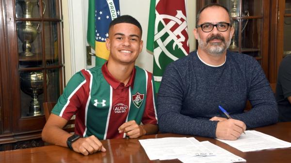 Joia assinou primeiro contrato profissional no fim da gestão Pedro Abad(Imagem:Mailson Santana)