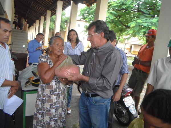 Pequenos produtores rurais de Floriano recebem sementes de milho e feijão.(Imagem:FlorianoNews)