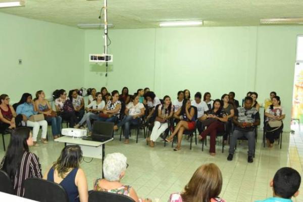 Reunião discute saúde da mulher em Floriano.(Imagem:SECOM)