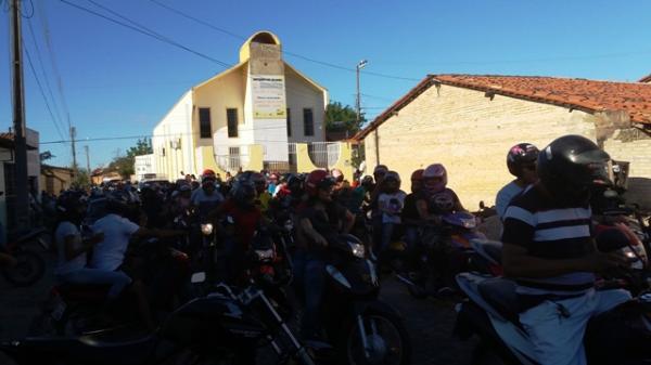 1º MotoCulto da Igreja Quadrangular reuniu inúmeros amantes do motociclismo em Floriano.(Imagem:FlorianoNews)
