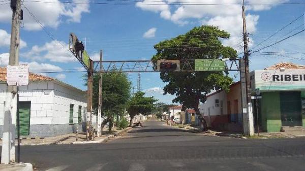 Semáforo com defeito causa acidente em cruzamento de Floriano.(Imagem:FlorianoNews)