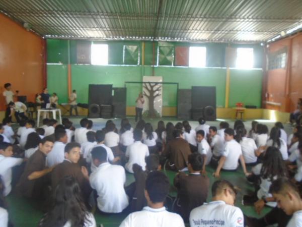 Show de Talentos marca o Dia do Estudante na Escola Pequeno Príncipe.(Imagem:FlorianoNews)