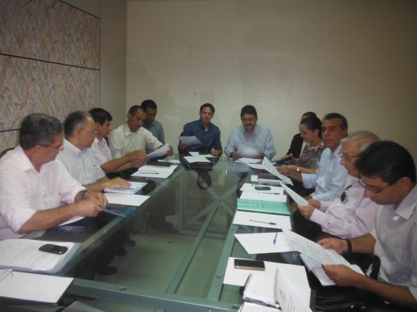 Gilberto e Salomão realizaram primeira reunião com secretários após posse.(Imagem:FlorianoNews)