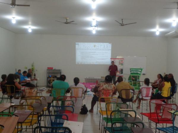 Diocese de Floriano sedia encontro sobre Fundo Produtivo Solidário.(Imagem:FlorianoNews)