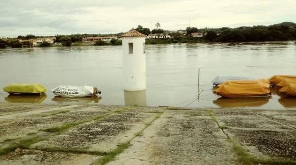 Rio Parnaíba na manhã desta sexta (13)(Imagem:FlorianoNews)