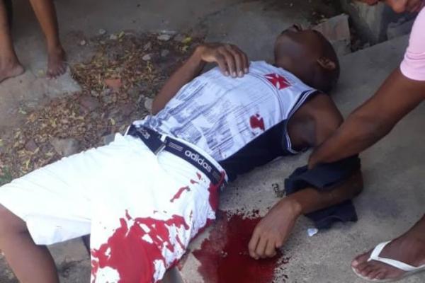 Homem sofre tentativa de homicídio com golpes de faca no bairro Bosque em Floriano.(Imagem:Divulgação)