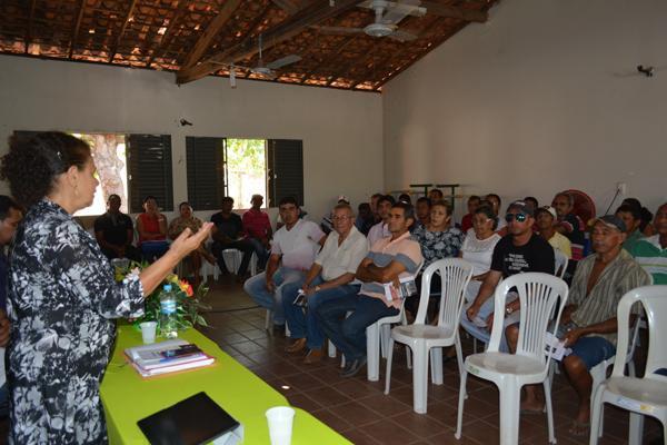 Regina Sousa em visita no norte do Piauí.(Imagem:Divulgação)